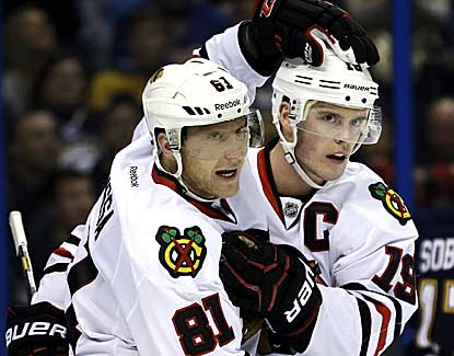 Marian Hossa (81) scores one goal and Jonathan Toews (19) adds two more in a 3-0 Chicago win. (AP)