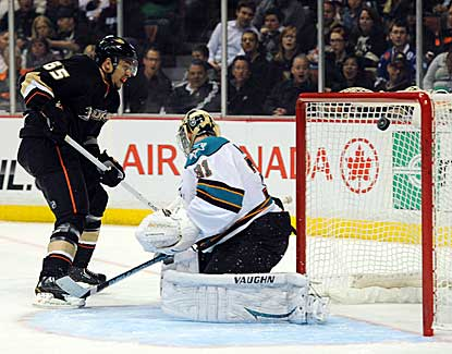 Anaheim's Emerson Etem beats Antti Niemi for his first career goal in the Ducks' 5-3 win over San Jose. (USATSI)