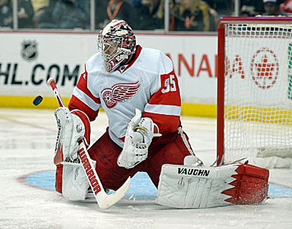 Jimmy Howard makes 33 saves in the Red Wings' win over Anaheim, losers to Detroit twice in three days. (USATSI)