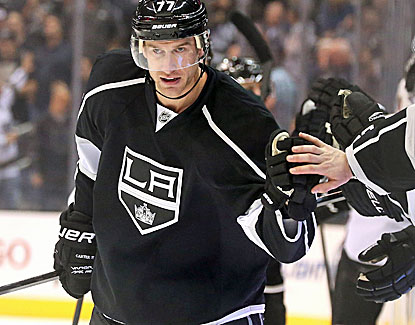Jeff Carter scores his 24th goal and scores again in the shootout of the Kings' win over Colorado. (Getty Images)