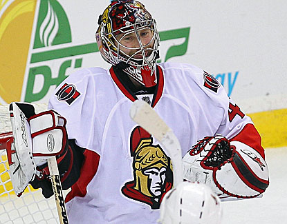 Ottawa goalie Craig Anderson makes 33 saves in his third shutout of the season for the Senators. (USATSI)