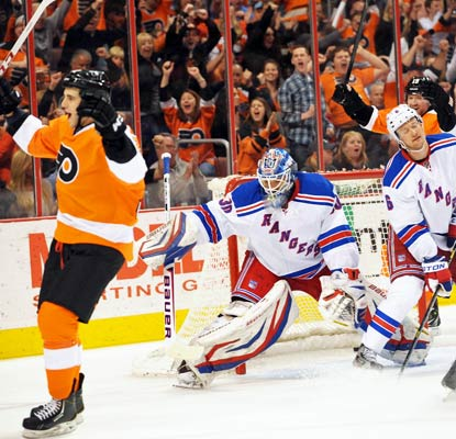 Brandon Manning (left) celebrates Brayden Schenn's (not pictured) goal in a much-needed win for the Flyers.  (USATSI)