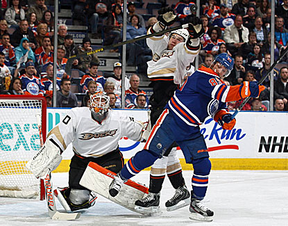 Viktor Fasth makes 24 saves for his fourth shutout of the season to help Anaheim clinch the Pacific Division title. (Getty Images)