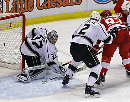 Detroit's Johan Franzen beats Kings goalie Jonathan Quick to cap the scoring in the Red Wings' 3-1 win. (USATSI)