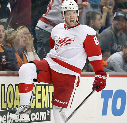 Justin Abdelkader celebrates after scoring the second goal in the first period for the Red Wings. (Getty Images)