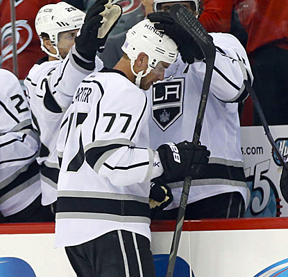 Jeff Carter scores the game-winner in a shootout for his fourth goal in four games this season.  (USATSI)