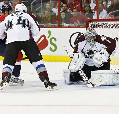 Goalie Semyon Varlamov, traded from the Capitals to the Avalanche in 2011, records 40 saves against his former team.  (USATSI)