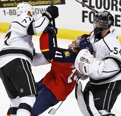 The Kings clamp down on the Panthers and backup goalie Ben Scrivens gets his third career shutout.  (USATSI)