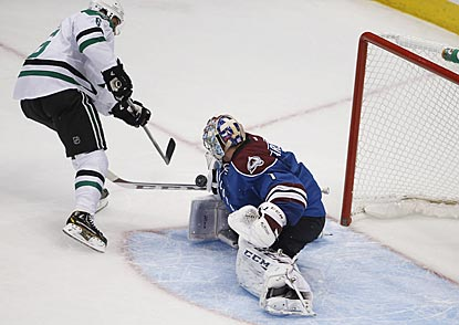 Colorado goaltender Semyon Varlamov denies Dallas defenseman Trevor Daley during the first period.  (USATSI)