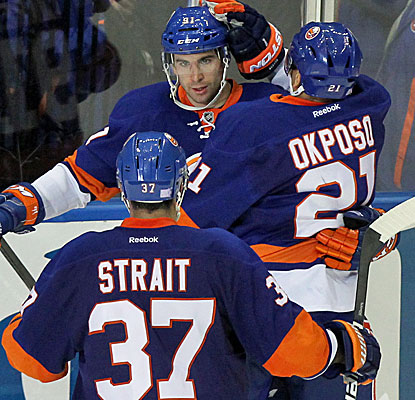 John Tavares celebrates scoring the go-ahead goal in the second period. He beats goalie Devan Dubnyk with a snap shot. (USATSI)