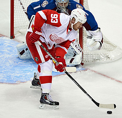 Detroit's Johan Franzen scores two goals against Colorado, including the tiebreaker with 12:50 remaining. (USATSI)