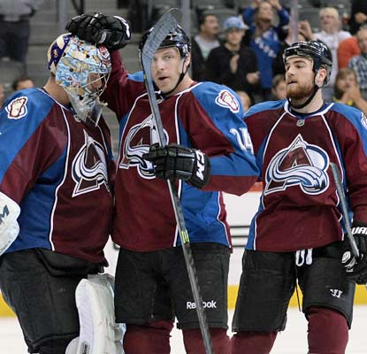 The Avalanche extend their home winning streak over the Hurricanes to nine while improving their overall record to 9-1.  (USATSI)