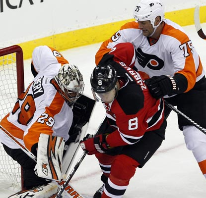 The Flyers come out with a passion to pull off a hard-fought, 1-0 win over the Devils in New Jersey.  (USATSI)