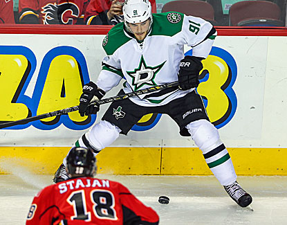 Tyler Seguin scores four goals for the Dallas Stars, who completely outclass the Calgary Flames. (USATSI)