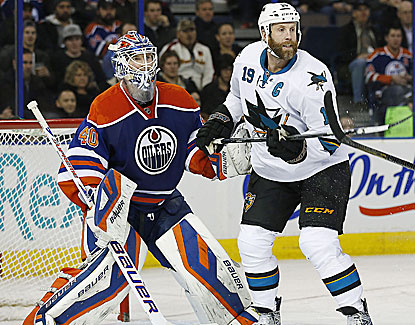 San Jose's Joe Thornton racks up three assists in the Sharks' 3-1 win, handing Edmonton its sixth straight loss. (USATSI)