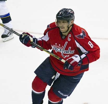 Alex Ovechkin scores twice, putting him into a tie with Alexander Steen for the NHL lead in goals.  (USATSI)