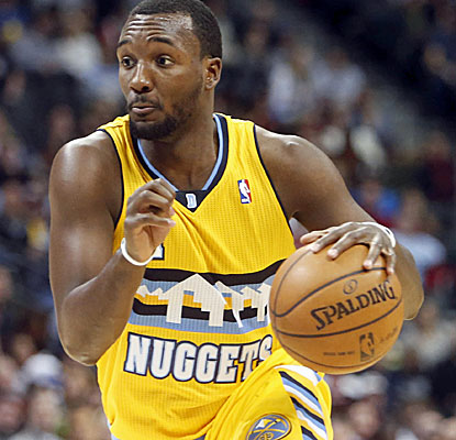 Denver's Jordan Hamilton finishes with 17 points to lead the Nuggets, including a key 4th-quarter 3-pointer. (USATSI)