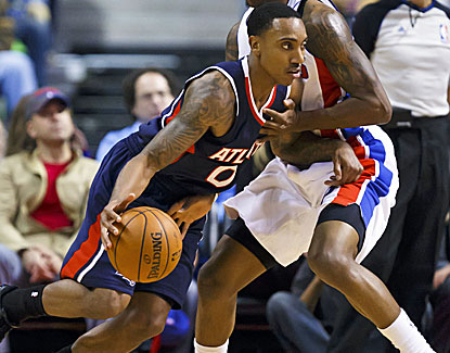 Jeff Teague scores 14 of his 18 points in the third quarter before coming up with a key block late. (USATSI)