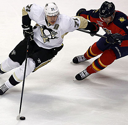 Evgeni Malkin scores a goal to go with three assists as the Penguins easily defeat the Florida Panthers. (USATSI)