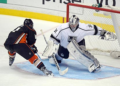 Martin Jones stands his ground against Saku Koivu and allows no goals in a  nine- 50acc645b