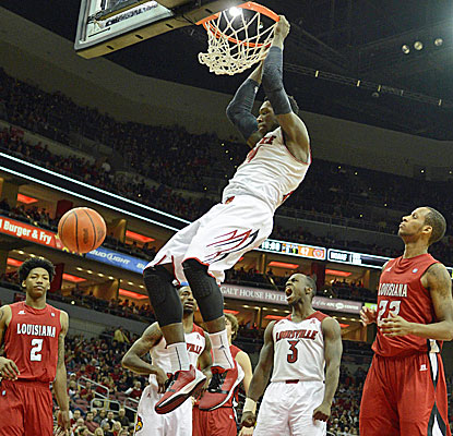 Louisville's Montrezl Harrell dunks home two of his 20 points against overmatched Louisiana-Lafayette. (USATSI)