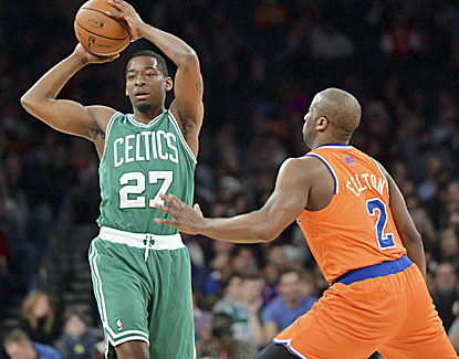Jordan Crawford hits six 3-pointers for the Celtics en route to a 23-point performance against the Knicks. (USATSI)