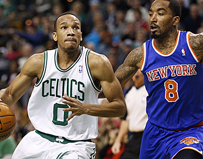 Avery Bradley takes over late for the Celtics, scoring seven of his 13 points in the fourth quarter. (USATSI)
