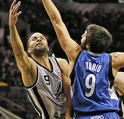 Tony Parker scores 29 points for the Spurs, helping offset a monster night from Minnesota's Kevin Love. (USATSI)