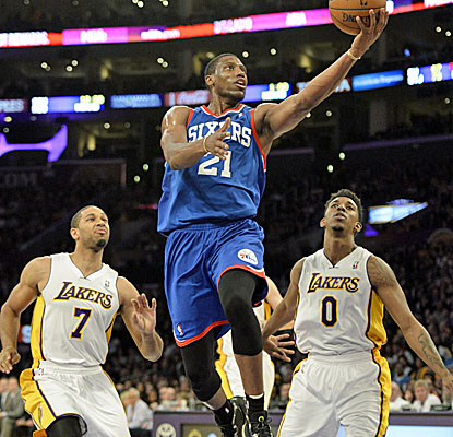 Philadelphia forward Thaddeus Young scores seven of his 25 points in the fourth quarter against the Lakers. (USATSI)
