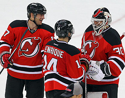 Martin Brodeur makes 19 saves and picks up an assist in the Devils' win over Pittsburgh. (USATSI)