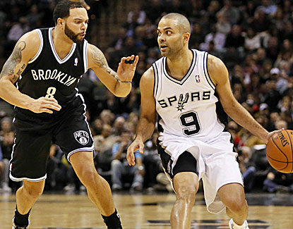 Tony Parker scores 18 points for the Spurs before sitting out the 4th quarter with Tim Duncan and Manu Ginobili. (USATSI)