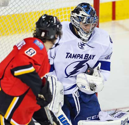 Goalie Ben Bishop stops 19 shots as the Lightning improve to 7-1-1 in their last nine games.  (USATSI)