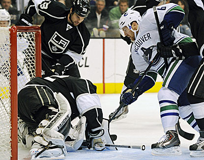 LA Kings goalie Jonathan Quick, selected for his second U.S. Olympic team, makes 27 saves against the Canucks. (USATSI)