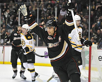 Andrew Cogliano celebrates his short-handed goal, which gives Anaheim a 3-0 lead late in the second period.  (USATSI)
