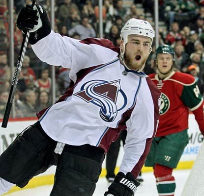 Ryan O'Reilly's second goal of the night ends up being the game winner for the Avalanche against the Wild.  (USATSI)