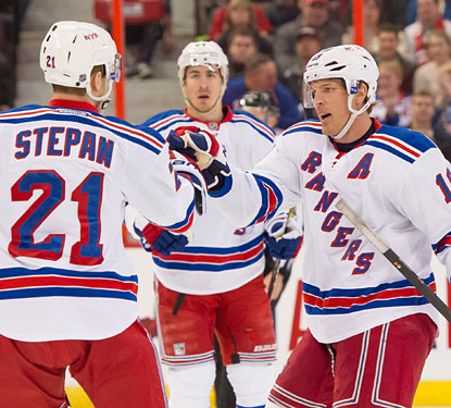 Derek Stepan scores for the first time in 14 games after assisting on goals by Brad Richards and Rick Nash.  (USATSI)