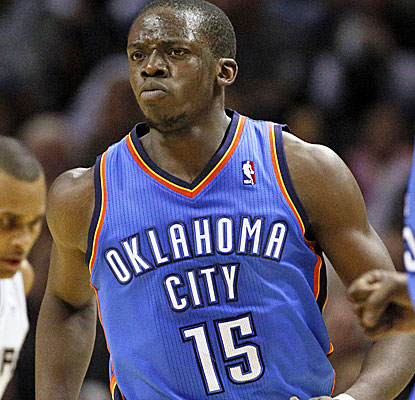 Point guard Reggie Jackson scores 27 points for the Thunder, helping Kevin Durant with OKC's scoring duties. (USATSI)