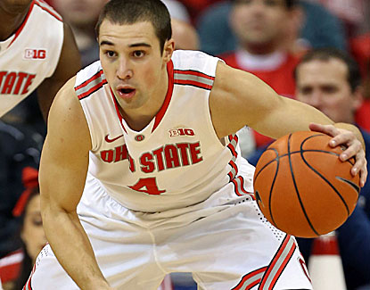 Aaron Craft contributes 11 points, six rebounds and five assists for the No. 17 Buckeyes against Illinois. (USATSI)