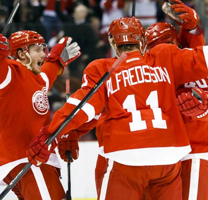 The Red Wings get four goals from four different players as they dispatch the Canadiens in Detroit.  (USATSI)