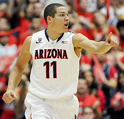 Freshman forward Aaron Gordon scores 17 points, helping No. 2 Arizona get past Oregon State. (USATSI)