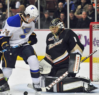 Jonas Hiller and the Ducks play their first game since the Olympic break and look sharp in shutting out the Blues.  (USATSI)