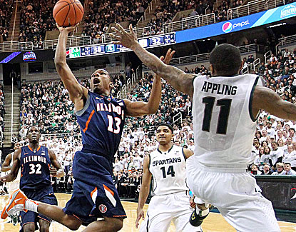 Illinois' Tracy Abrams scores 12 points, helping the Illini grind out the low-scoring win over Michigan State. (USATSI)