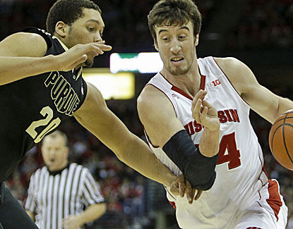 Wisconsin's Frank Kaminsky scores 22 points against Purdue, going 4 of 5 from 3-point range. (USATSI)