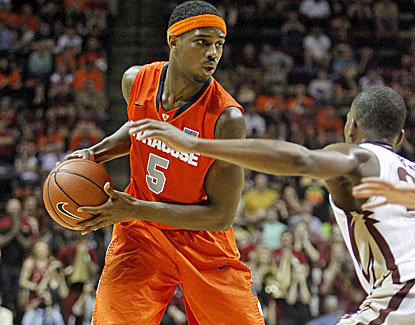 Senior forward C.J. Fair sparkles for Syracuse, scoring 15 of his 22 points after halftime against Florida State. (USATSI)