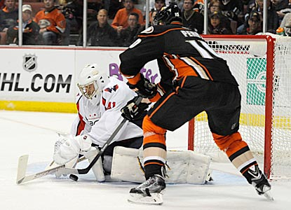 Capitals goaltender Jaroslav Halak denies Anaheim's Saku Koivu on a scoring chance in the second period.  (USATSI)