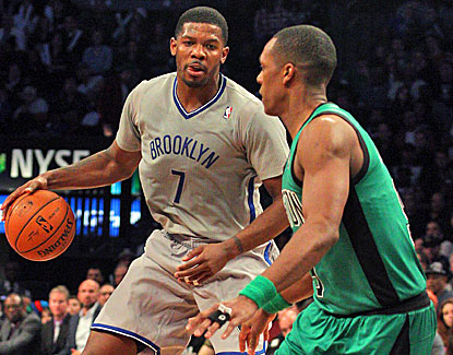 Joe Johnson scores 27 points for the Nets, winners of 11 straight on their home floor in Brooklyn. (USATSI)