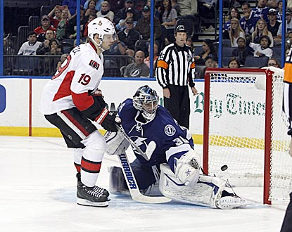 Ottawa's Jason Spezza beats Tampa Bay's Ben Bishop for the only goal of the shootout period.  (USATSI)