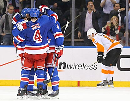 With the victory, New York gets a leg up on Philly in the race for home-ice advantage in the Metropolitan Division playoffs.  (USATSI)
