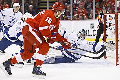 In the first period, Detroit's Joakim Andersson lifts the puck over Ben Bishop and into the net to tie the game at 1.  (USATSI)
