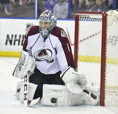 Semyon Varlamov ties an Avalanche single-season record for goalies by earning his 40th win. (USATSI)